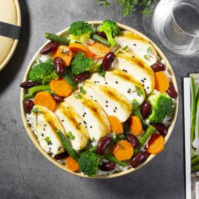 Tagliata di pollo con verdure, fagioli e riso